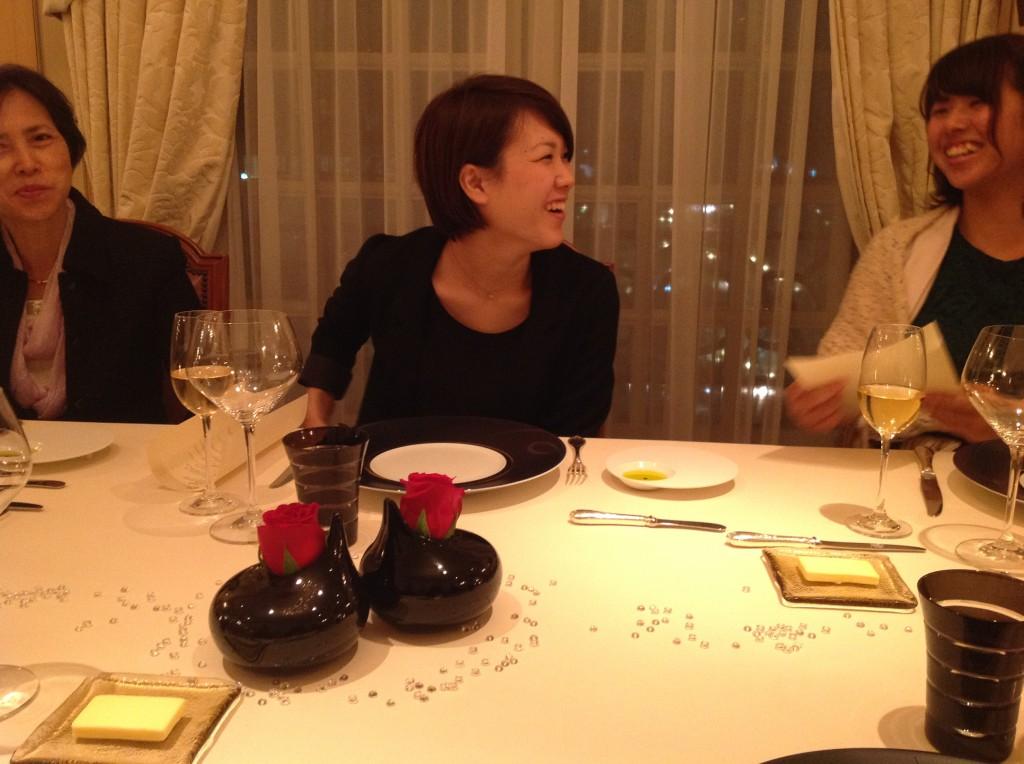 妹の誕生日祝いに、恵比寿ガーデンプレイス、ミシュラン三ツ星レストランの<br /> ガストロノミー・ジョエルロブションでお祝いしてきた時の様子。