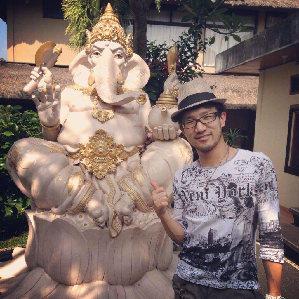 バリ島の象の神様「ガネーシャ」とトビケン