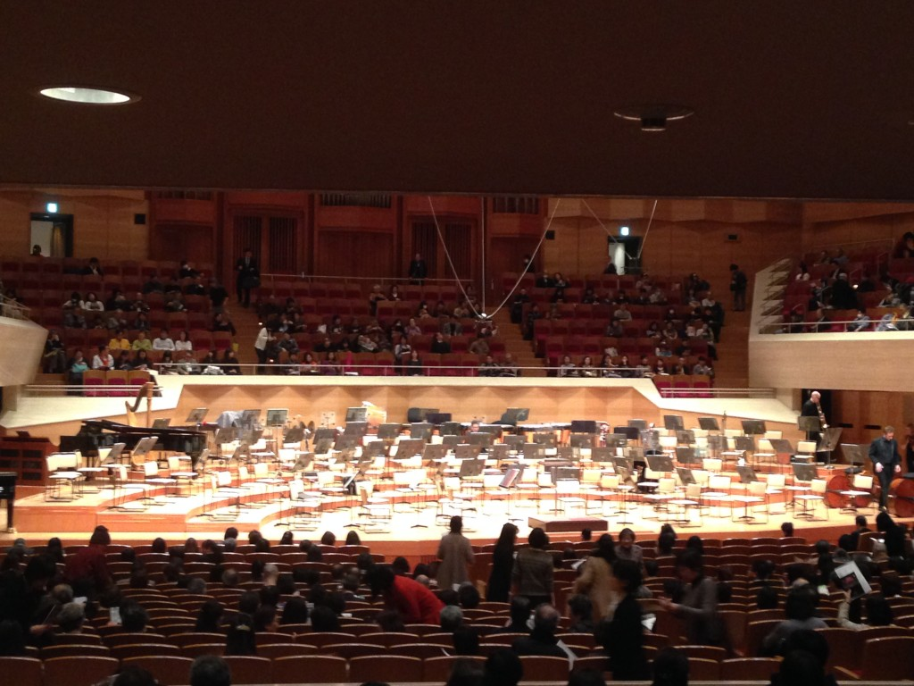 tokyo hot  e758 People go through a lot to hear Tsujii's playing. And when I compared the  differences in the audience before the concert began and after,