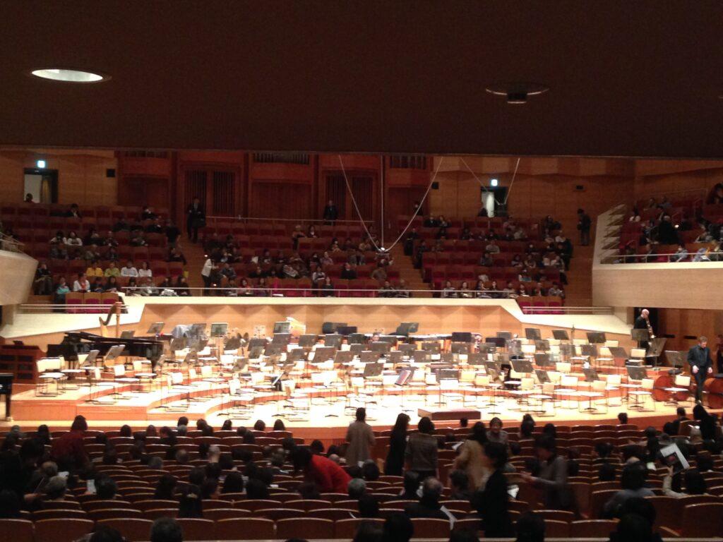 サントリーホールで聞いた全盲のピアニスト辻井伸行さんの神がかった演奏。奇跡の音色